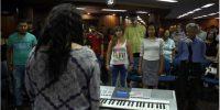 Inscríbete a las clases gratuitas de: canto, teclado, percusión, guitarra y tablas.